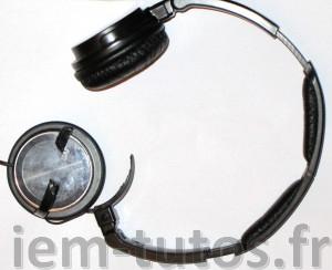 Casque JVC avec patte de fixation d'un écouteur cassé